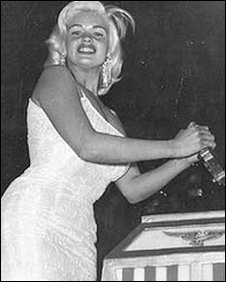 jayne mansfield switches on the illuminations