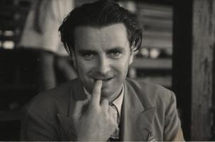 tom-harrisson-biting-nail
